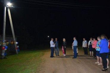 Чиновник обматерил жителей во время торжественного открытия фонаря