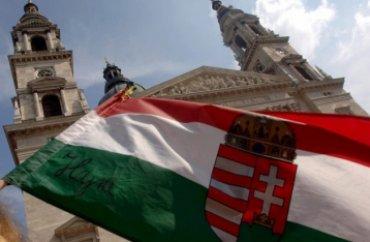 Из-за конфликта с Венгрией Украина стягивает войска в Закарпатье