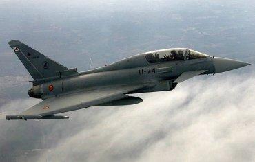 Испанский истребитель выпустил ракету по России