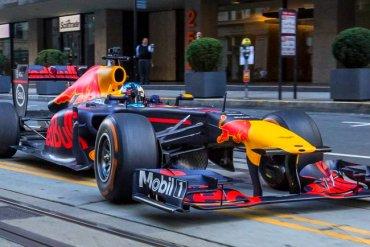 Команда «Формулы-1″ разрушила миф о гоночных автомобилях