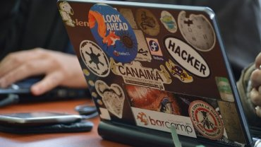 15-летний хакер взломал криптокошелек создателя антивируса McAfee и установил на него игру DOOM