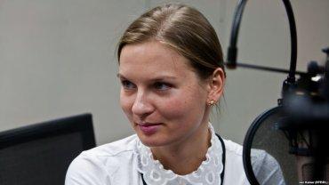 Из ЕС в Украину выдворена агент российских спецслужб и сообщница беглого олигарха-мошенника