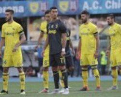 Роналду в первом своем матче в Серии А сломал нос вратарю