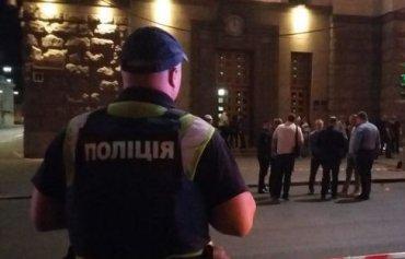 В Харькове у здания горсовета произошла стрельба – убит полицейский
