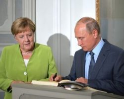 Меркель изложила Путину план ввода миротворцев на Донбасс