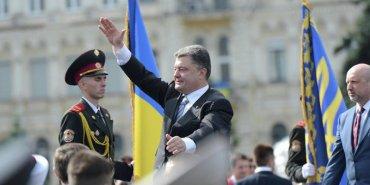 Во время речи Порошенко солдат потерял сознание