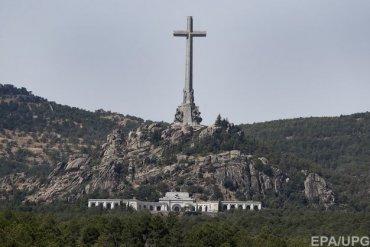 Правительство Испании приняло декрет о перезахоронении Франко