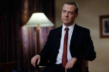 Зачем спрятали Медведева