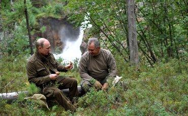Путин провел выходные в лесу с министром обороны и главой ФСБ