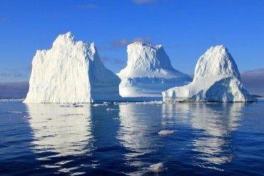 Поворот не туда: ученые зафиксировали перемещение гигантского айсберга