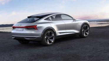Началось производство первого электрического кроссовера Audi