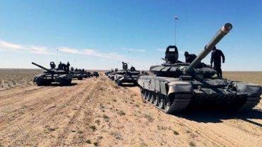 Украина перебросила войска на Азовское побережье