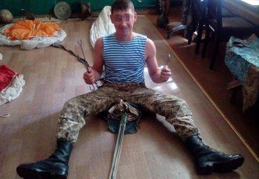 В воинской части срочника избили, а потом заставили прибить мобильный телефон к дереву