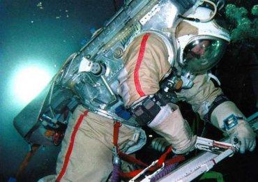 Летающий с МКС «Союз» задрелен сверлами насквозь