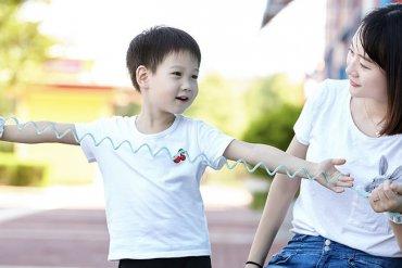 Xiaomi предлагает надевать на детей наручники