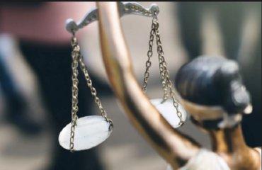 Правительство передумало повышать зарплаты судьям