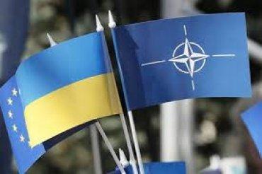 Рада поддержала поправки в Конституцию о стремлении Украины в НАТО
