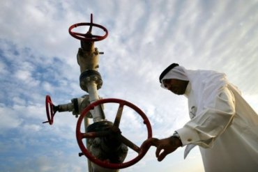Саудовская Аравия увеличила добычу нефти назло России