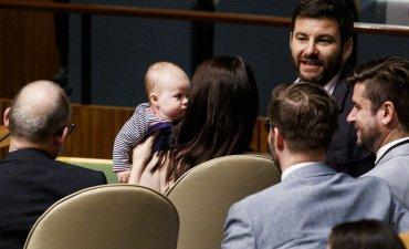 Премьер Новой Зеландии пришла с трехмесячной дочкой на Генассамблею ООН