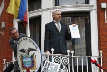 Ассанж покинул пост главреда WikiLeaks