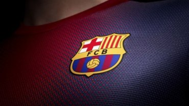 ФК «Барселона» представила новую клубную эмблему
