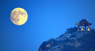 В Китае планируют запустить «штучную луну»