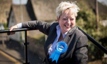 В Великобритании назначили министра по предотвращению самоубийств