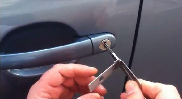 Аварийное вскрытие замков в авто