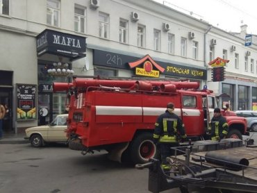 Неизвестные «заминировали» мэрию в Харькове