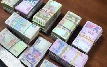 Более 15 тысяч гривен в месяц зарабатывают 12% украинцев, – Госстат