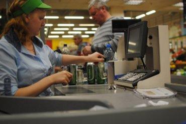 Безнал будет везде: украинцам пообещали новые «покращення», владельцы продуктовых уже напряглись