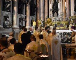 Во время богослужения в церкви произошло чудо