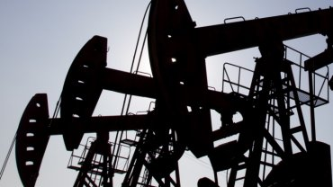 Цены на нефть рекордно рухнули
