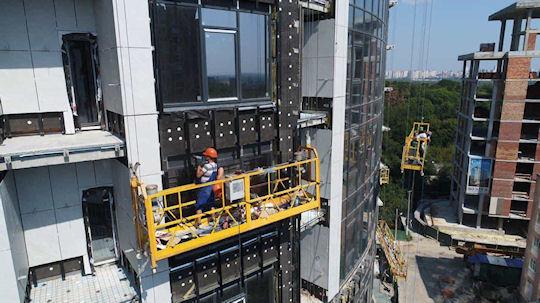 Аренда строительной люльки ZLP 630 в Украине – важное условие успешного строительства