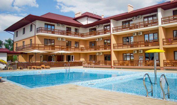 Отели и базы отдыха в Лазурном