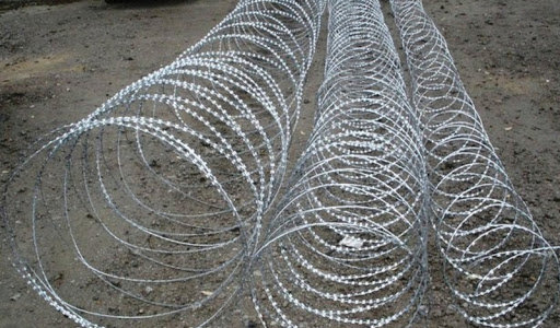 Колючая проволока и спиральные барьеры Гюрза